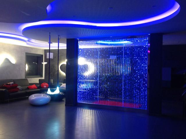 mur d 39 eau bulle histoire d 39 eau. Black Bedroom Furniture Sets. Home Design Ideas